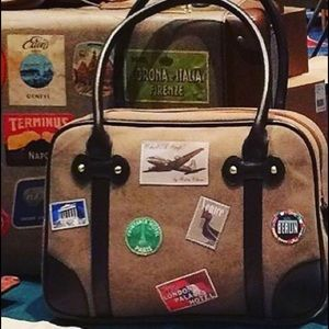 Be a world traveler! Retro-travel inspired handbag